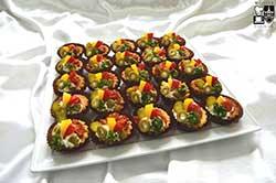 Tartoletki z pikantnym salami