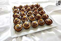 Babeczki koktajlowe z musem czekoladowymi i orzechami