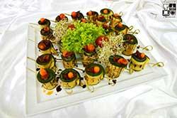 Ruloniki z warzyw grillowanych z suszonymi pomidorami i marchewką baby