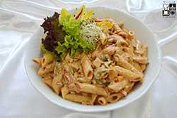 Sałatka Toskańska z kurczakiem grillowanym