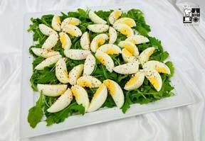 Cząstki jaj z solą i pieprzem