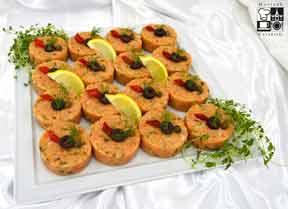 Aksamitny tatar z łososia w cytrynie oraz z nutą ostrej papryki